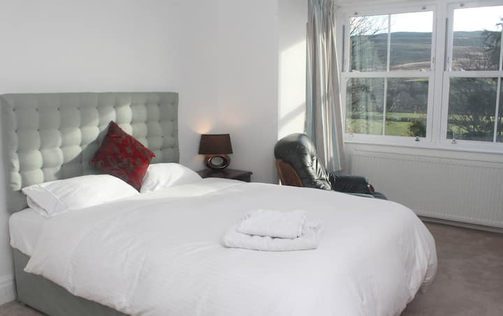 Large Double Room in Yorkshire Dales National Park