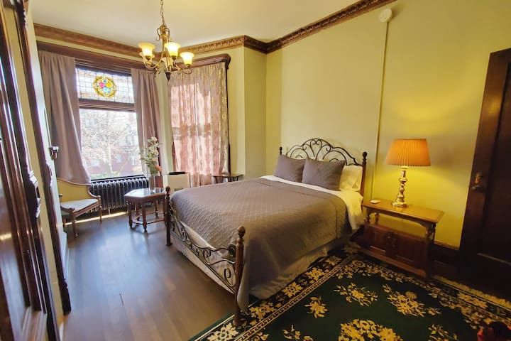 Historic Victorian Apartment 4 -  Downtown Peoria
