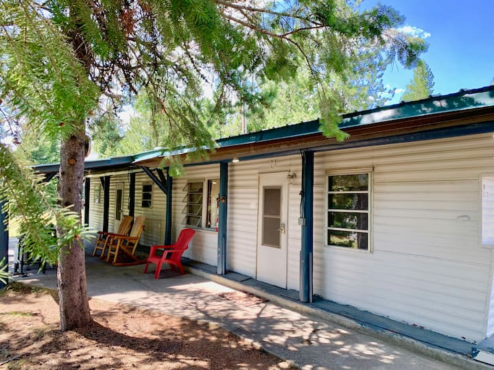 3 Bedroom Home+WiFI+AC+20 miles to Yellowstone