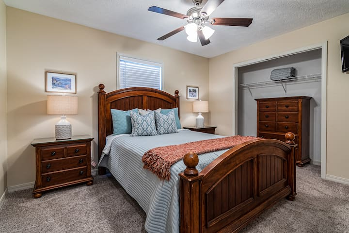 The third bedroom has also been beautifully updated and has a queen bed!