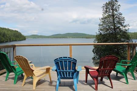 Beautiful year-round retreat on Heney Lake