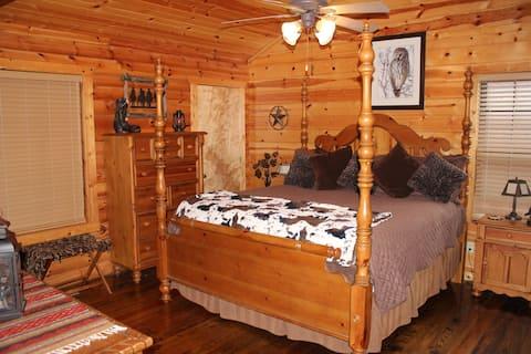 Luxury Cabin - Fireplace - Jacuzzi - Patio