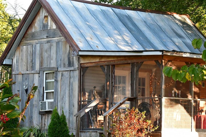 RedMuleLodge porch, full kitchen No cleaning fees!
