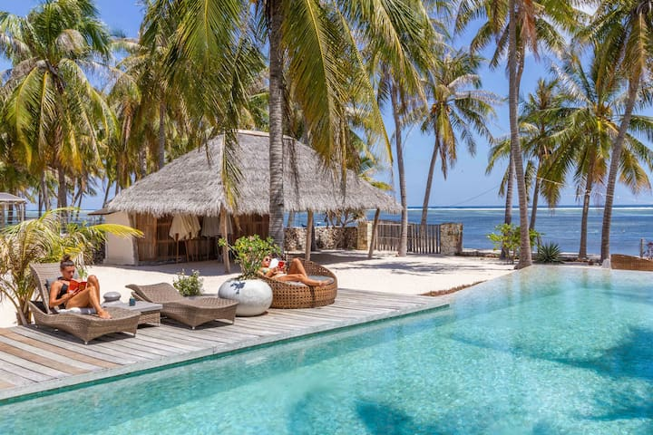 Boutique Beachfront Bungalow #2 - Seed Resort Rote