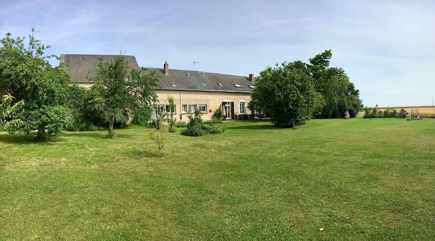 farmhouse in close proximity of the  Loire castles