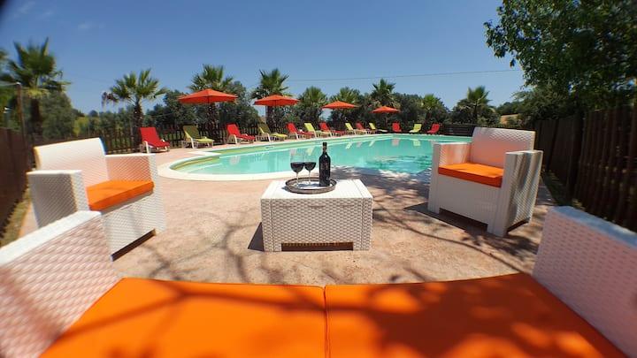 Villa Il Noceto,piscina privata,5 camere, 16 pers.