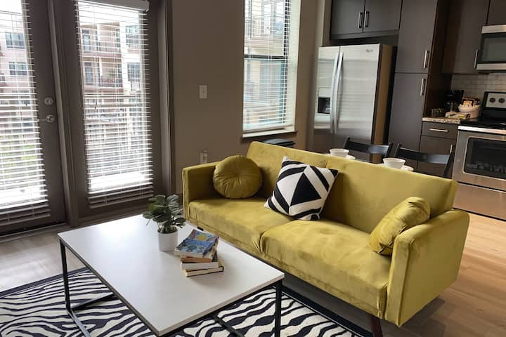 Modern Atlantic Station Apartment