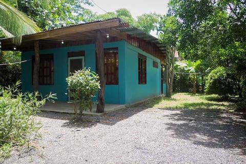 Lovely House Near the Beach, Cabuya