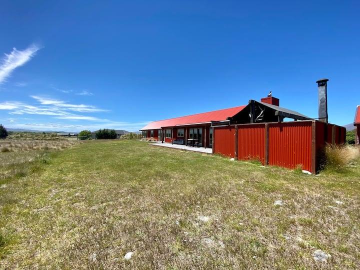 Raspberry Hut, Huge Spaces & Panoramic Views