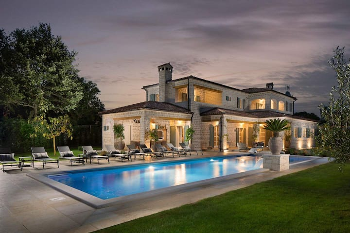 Luxury Villa Nevija with swimming pool