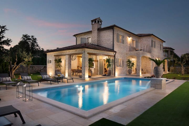 Luxury Villa Elena with swimming pool