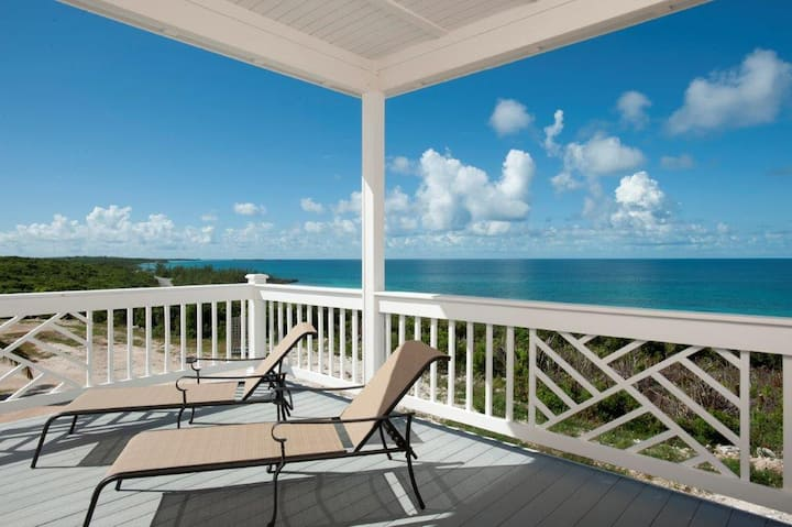 Lux Compound, Pvt Beach, Pool, Golf Carts, Kayaks