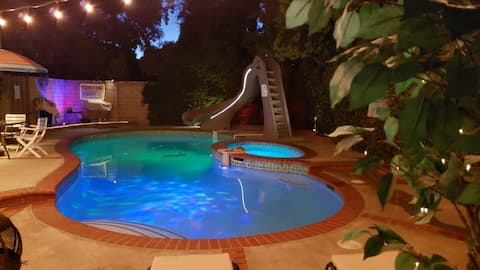 Cozy Guesthouse w pool, firepit & heated jacuzzi