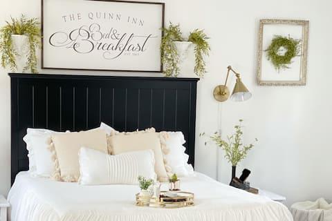 The Quinn Inn - A Cozy Retreat with Breakfast!