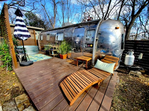 Hip Remodeled Airstream Trailer with Hot Tub/pool