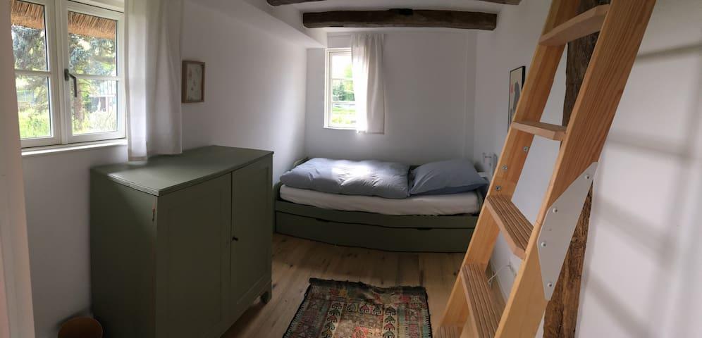 Schlafzimmer II, Kleines Zimmer mit Schlafkoje