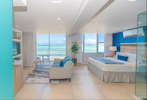 Modern Jewel Beachfront Isla Verde