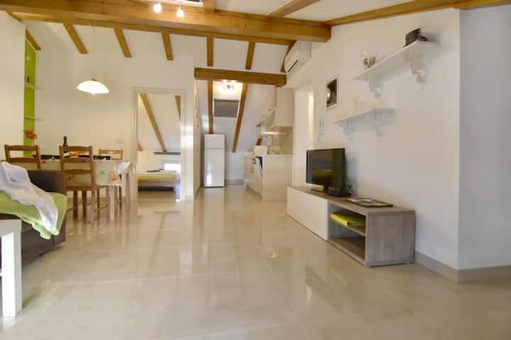 New, comfort & cozy apartment IRIS ATTIC free Wifi