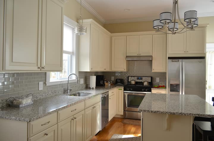 Newly renovated 2 bedroom with parking