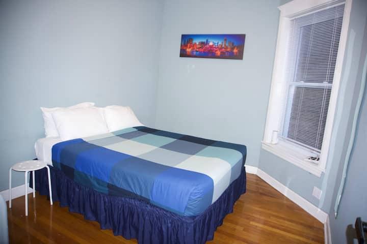 Wrigley Hostel - Queen Bed Room