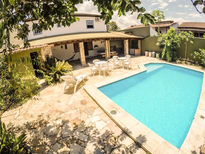 Excelente Localização com piscina e suítes amplas