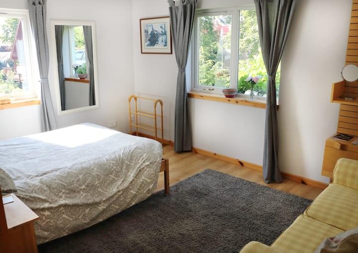 Friendly B&B-Double room-22 miles to EDINBURGH