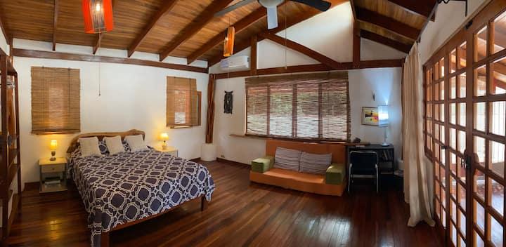 BuenaOnda The Loft (Jaco Beach Best Location)
