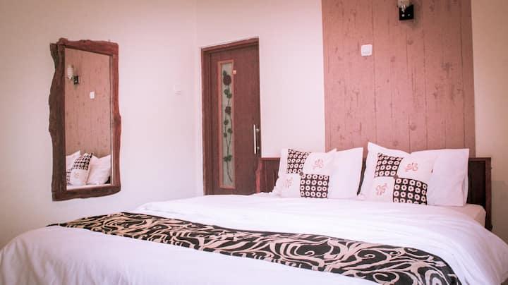 Deluxe Room #6 @ nDalem Joglo Krawitan Homestay