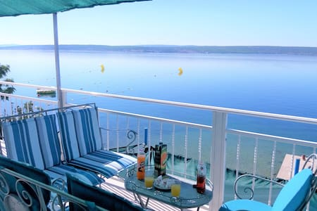 Holiday Beach Rental Home With Balcony And Terrace