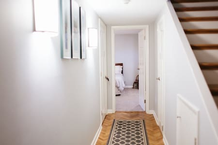 Doorways are 32 to 35 inches wide
