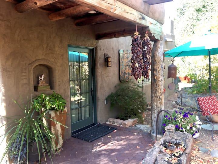 Casita Santa Fe -  Walk to Plaza & Canyon Rd