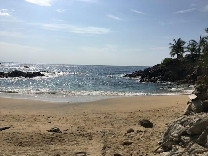 Casa Calypso  (Azul) Beachfront beauty