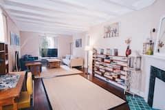 Elmwood+Village+Apartment+%5B10+mins.+from+downtown%5D