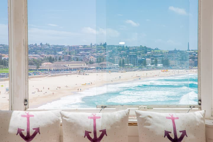 Stunning Bondi Beach Ocean View full apartment