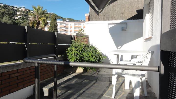 Lloret. Mini apartamento con piscina y zona pk.