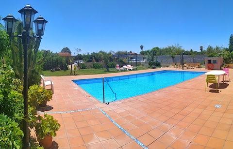 petite maison d´hôte tranquille avec piscine