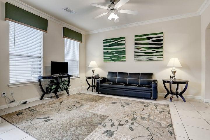 Clean 4 bedroom, 2 baths, gated, 8 guests, 08-6