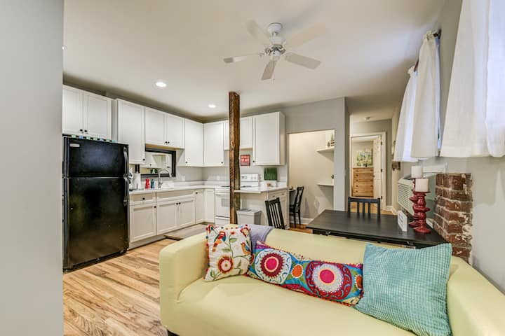 246B: Calm, Quiet Apt in Decatur, near MARTA!
