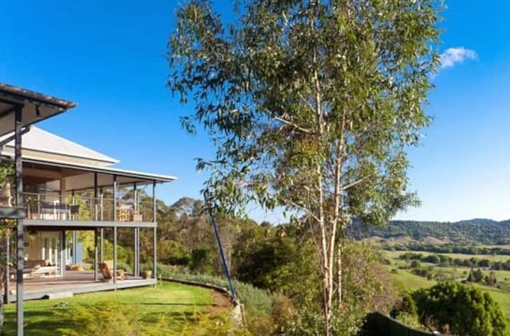 Luxe in Byron Shire, ideal for tranquil isolation.