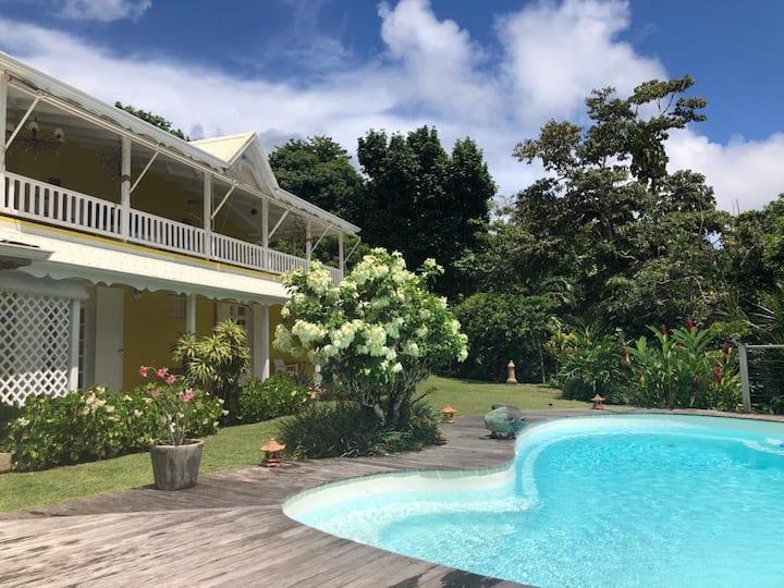 Vanillia, villa créole dans son jardin tropical