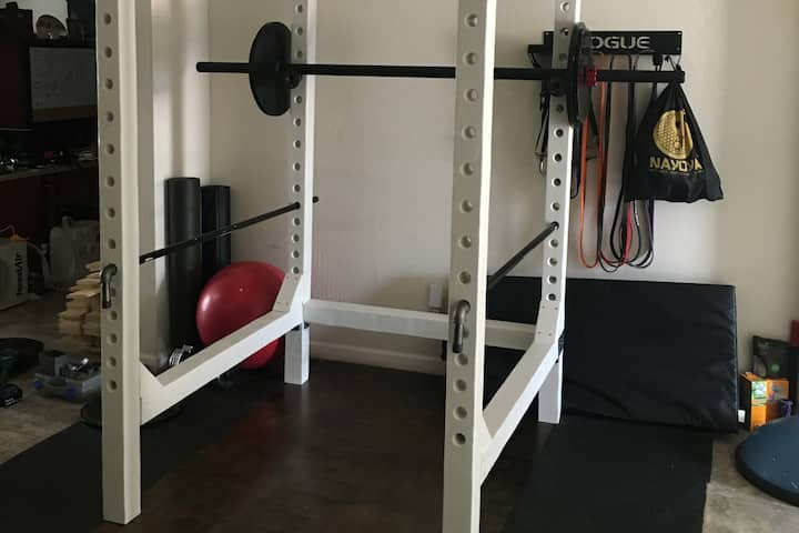 Private Room, In Home Gym & Wifi - Central Phoenix