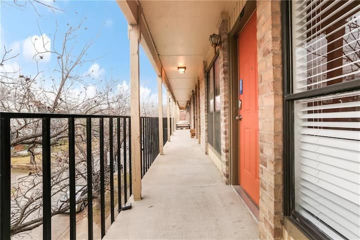 Charming & Cozy 1 Bedroom in Eclectic Central ATX