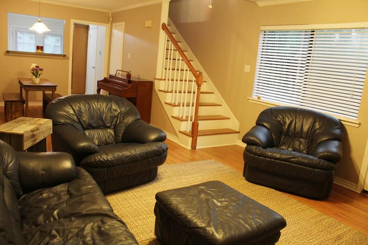 Secluded Condo ready for your Aggieland visit!