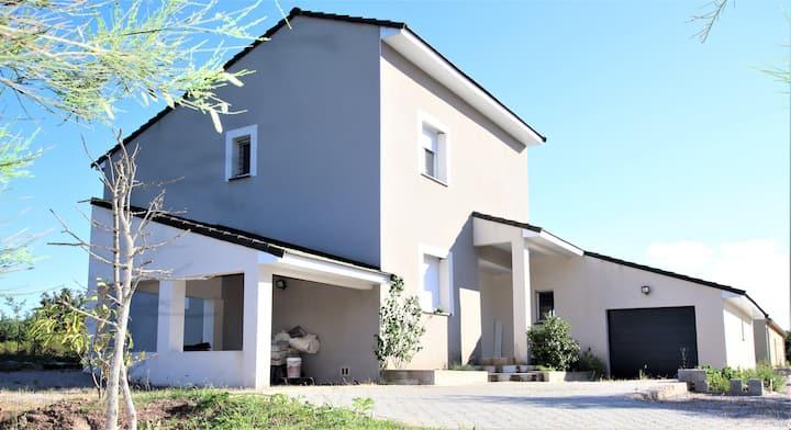 Villa moderne avec SPA de 200 M2 en pleine nature