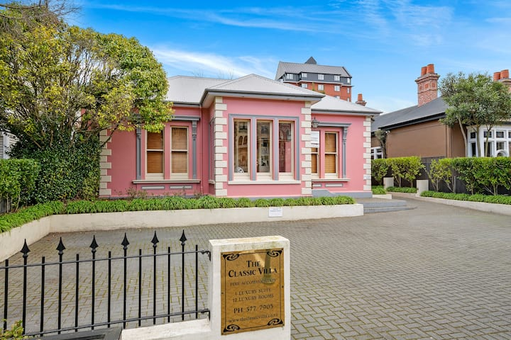Five Star luxury for two, in Christchurch Central
