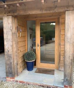 Doorway is 84cm wide