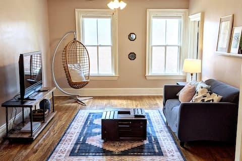 Charming Unique 2 Bdrm Apartment in Victorian Home