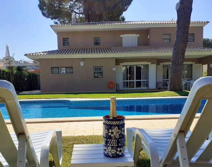 Villa with Garden and Pool in Vilamoura