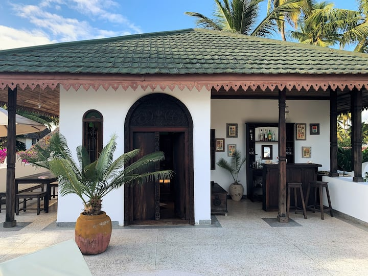 Mwendawima Beach Villa - Zanzibar (chef & staff)
