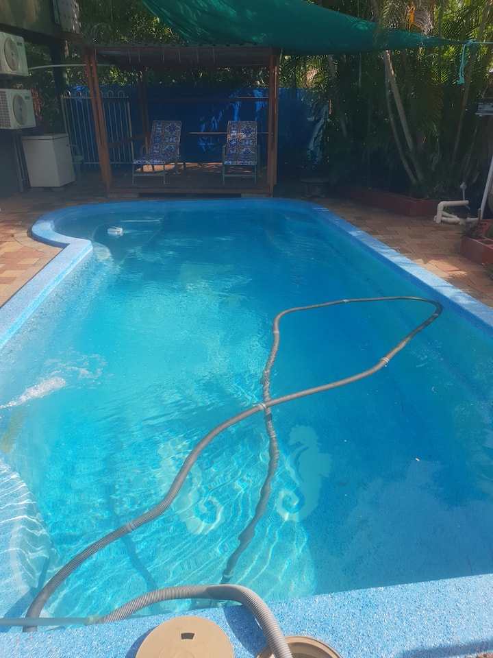 2 A/C rooms, Quiet area, Relaxed atmosphere, Pool.